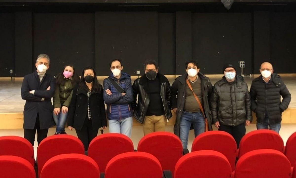 I rappresentanti delle compagnie teatrali Scena Verticale, Aprustum, Chimera e Khoreia 2000