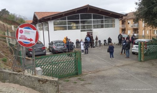 Il centro vaccinale di Rogliano