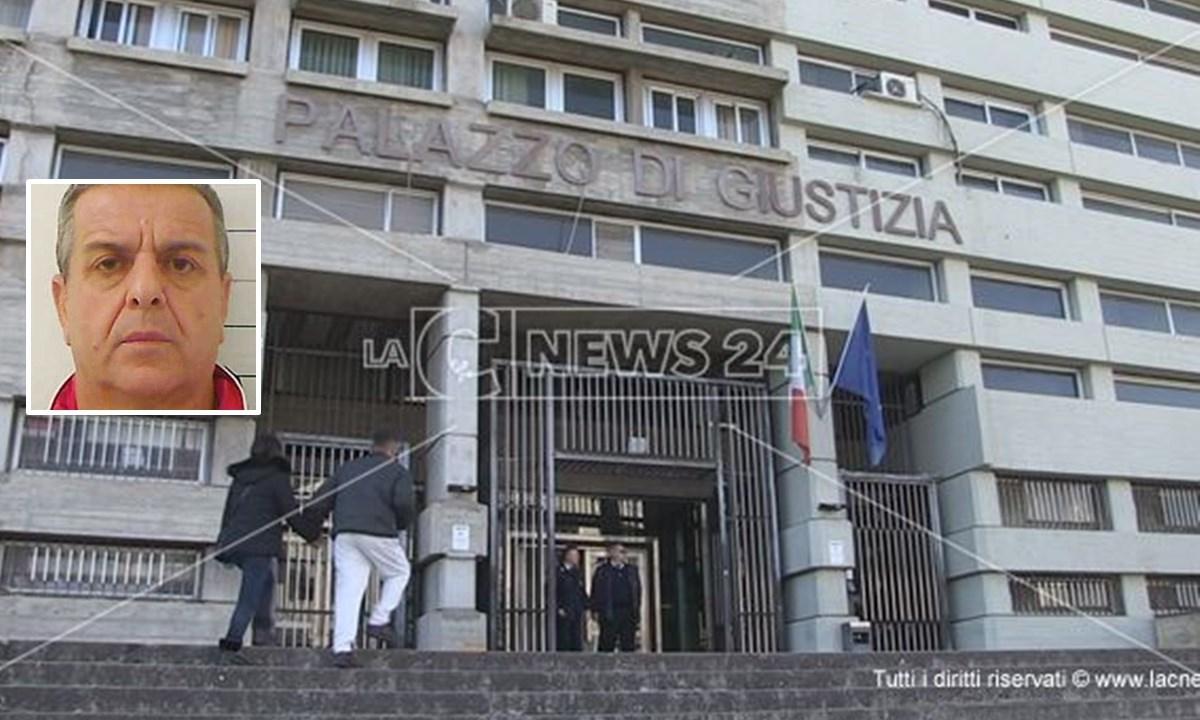 Il tribunale di Cosenza; nel riquadro, Patitucci