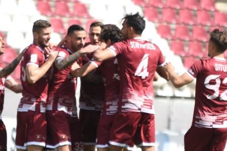 Serie B, il sogno della Reggina continua grazie a Rivas: Reggiana battuta 2-1 nel finale