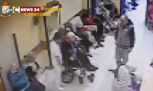 Anziani picchiati e umiliati nella Rsa di Settingiano: a processo direttore sanitario e dipendenti