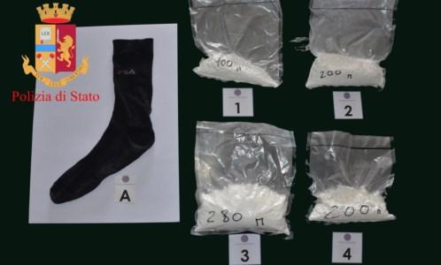 Rosarno, trasportava cocaina in un calzino: arrestato dalla Polizia