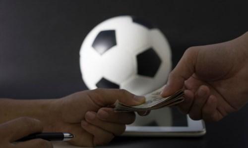 Calcio corrotto, 5mila euro per sistemare Corigliano-Troina: l'offerta è bassa e l'accordo salta