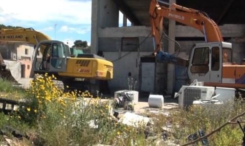 A Melito Porto Salvo sgomberato campo rom abusivo e manufatti abbattuti