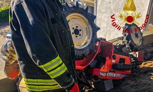 Tragico incidente con il trattore a Tarsia: 39enne muore schiacciato