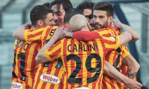 Serie C, il Catanzaro sogna la promozione: ecco quanto vale il secondo posto