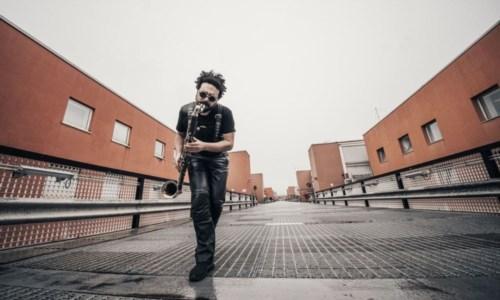 Trenta strumenti nel nuovo singolo del compositore cosentino De Franco: ecco 2020 Dc