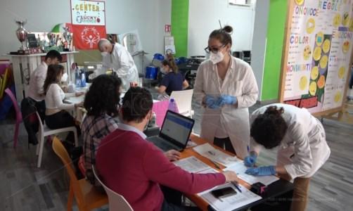 Vaccini, a Lamezia per i ragazzi con disabilità e i caregiver dell'associazione Lucky Friends