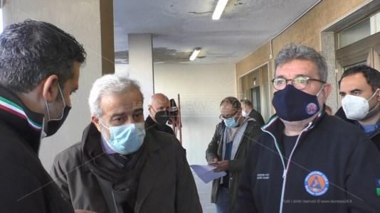 Vaccini Calabria, Spirlì: «Speriamo di concludere il primo ciclo entro giugno»