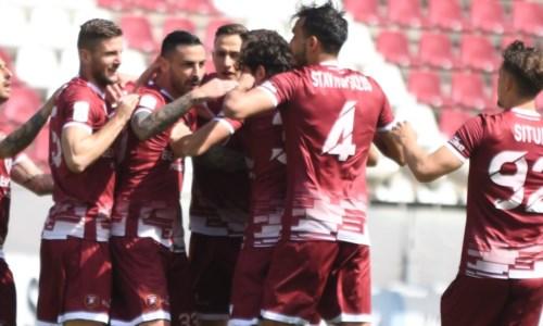 Serie B, per la Reggina pareggio fatale a Lecce: play off sfumati