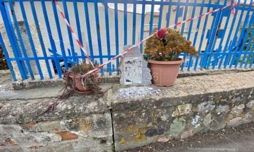 Cetraro, vandalizzata la lapide di un giovane morto tredici anni fa