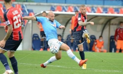 L'azione del secondo gol del Cosenza