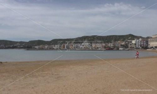 Crotone, lidi balneari al lavoro per prepararsi alla seconda estate in pandemia