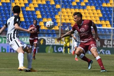 Serie B, la Reggina spreca l'aggancio ai play off: contro l'Ascoli finisce 2-2