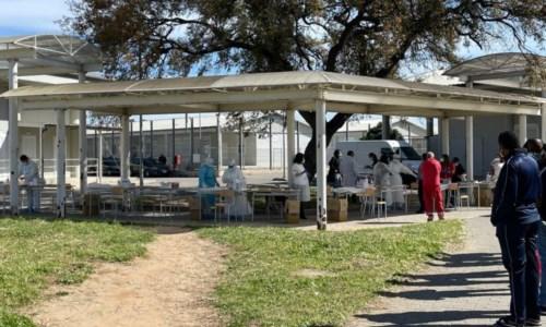 Lo screening nel centro di accoglienza di Isola Capo Rizzuto