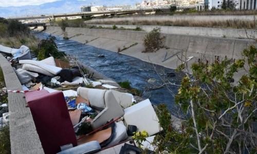 Discariche abusive e inquinamento del mare, maxi operazione della Guardia costiera in Calabria