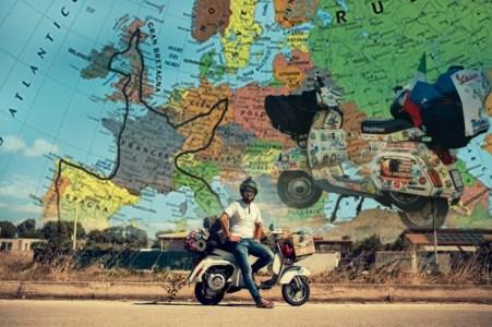 Il giro del mondo in Vespa del calabrese Andrea Fucile: «Un'avventura lunga 15mila chilometri»