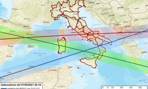 Calabria in allerta per il razzo cinese in caduta, sindaci e Prefetture: «State a casa»