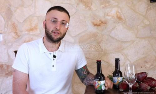 Nasce la birra alla cipolla rossa di Tropea: l'idea di Antonio grazie al taccuino del nonno