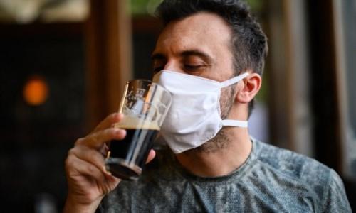Bevo per dimenticare… il Covid: consumo di alcolici alle stelle in casa durante il lockdown