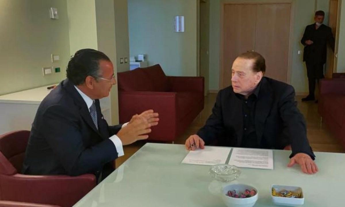 Kamel Ghribi e Silvio Berlusconi (Ansa)