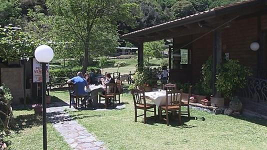Torna il piacere del pranzo al ristorante nel primo weekend in zona gialla della Calabria