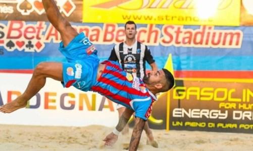 Beach Soccer, il bomber calabrese Zurlo (ri)firma con il Catania nella stagione della ripartenza