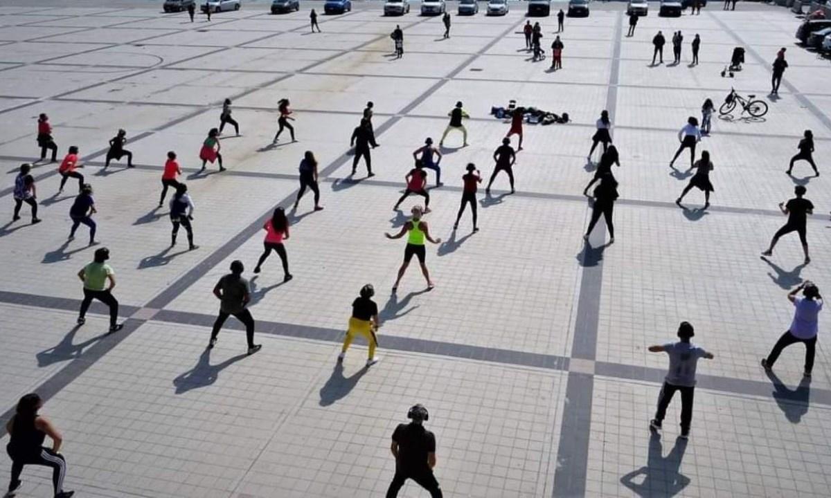 Uno scatto dei raduni fitness al porto di Catanzaro (foto Facebook)