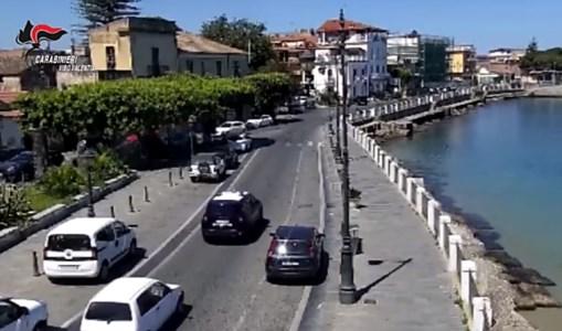 Vibo Marina, 50enne brutalmente aggredito con calci e manganello davanti ai passanti: un arresto