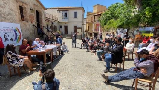 Elezioni Calabria, Lucano scende in campo e ufficializza la sua candidatura con De Magistris