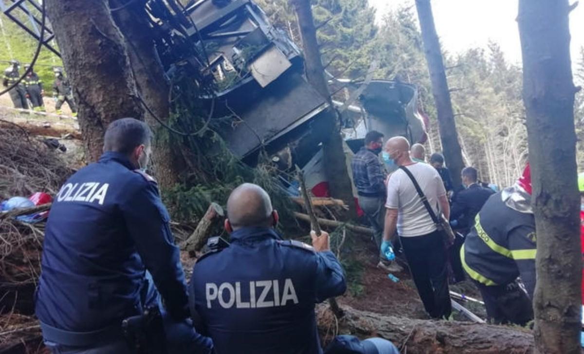 I soccorsi nel luogo dell'incidente, foto ansa