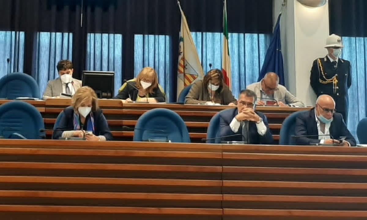 Un momento della seduta del Consiglio comunale di ieri