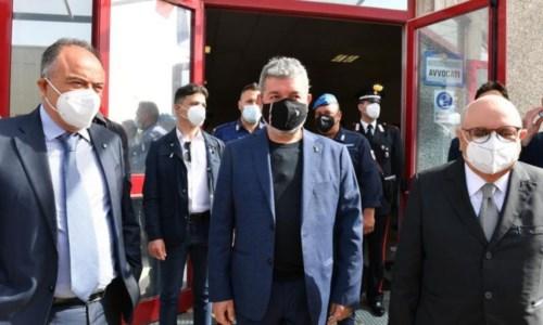 Inaugurata oggi l'aula bunker di Lamezia, Gratteri: «La Calabria ne aveva bisogno»