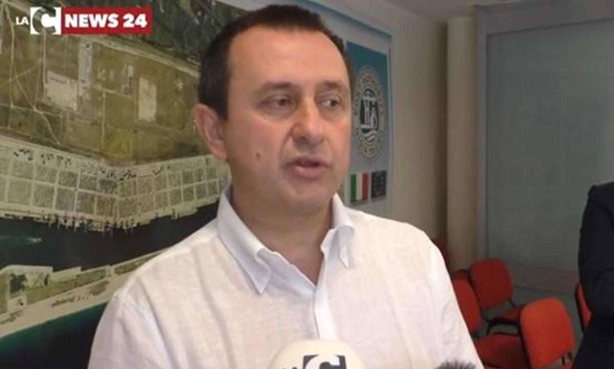 Iv, Ettore Rosato