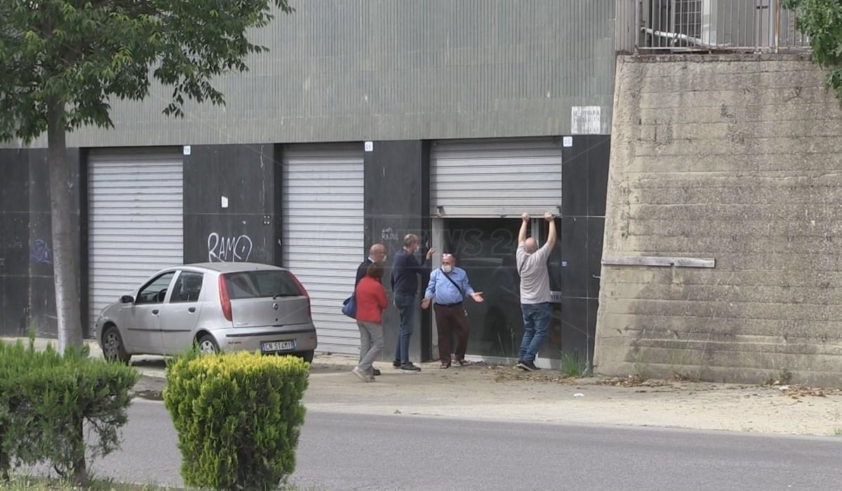 Il magazzino di Viale Cosmai proposto dal Comune di Cosenza per accogliere il Centro per l'Impiego