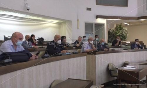 Sanità Crotone, sindaci e sindacati bocciano atto aziendale Asp: «Non è stato concordato»