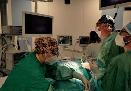Buona sanità a Cosenza, la chirurgia toracica sperimenta una nuova tecnica per i malati oncologici