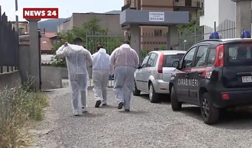 Accoltellò la madre a Castrovillari, l'autopsia rivela: la vittima colpita più di 30 volte
