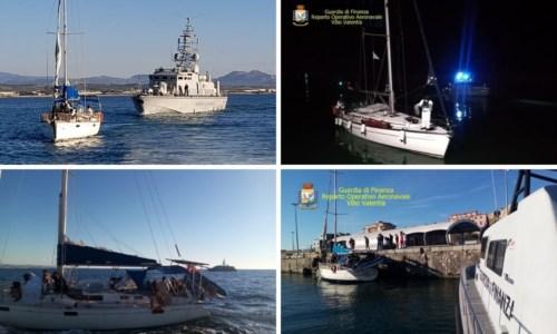 Migranti, intercettate 2 barche al largo delle coste crotonesi: identificati due presunti scafisti