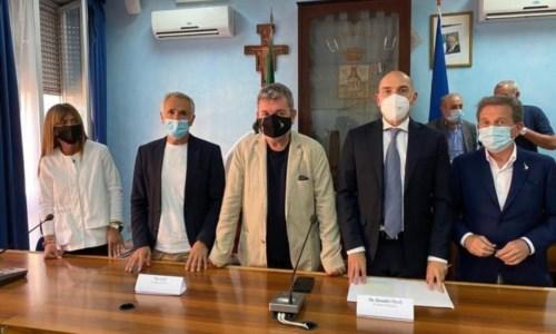 Porto di Bagnara, Spirlì incontra i pescatori dopo il sequestro: «Faremo la nostra parte»