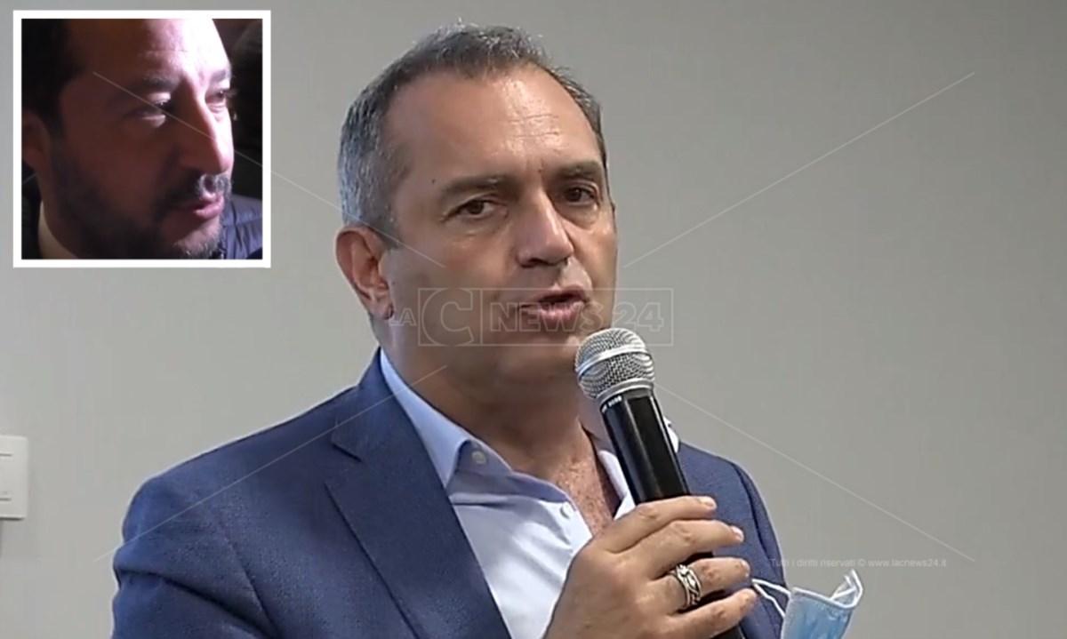 Luigi de Magistris, nel riquadro Matteo Salvini