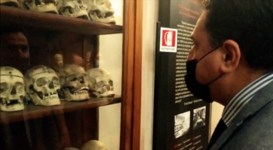 Il senatore De Bonis in visita al Museo Lombroso