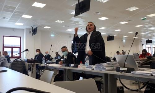 L'avvocato Staiano durante il controesame di Mantella