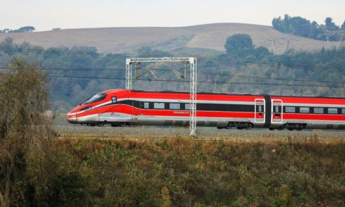 Treni, nuovi orari estivi e per la prima volta Frecciarossa notturno da Milano a Reggio