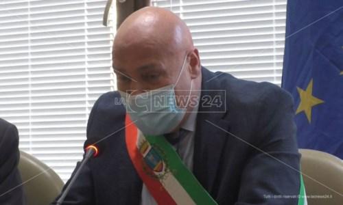 Rifiuti Crotone, Voce annuncia dimissioni da presidente Ato: «Ci vuole l'impegno di tutti»