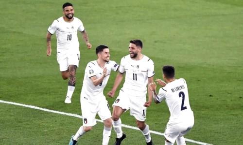 Europei, un cross di Berardi e i gol di Immobile e Insigne abbattono il muro turco: l'Italia vince 3-0