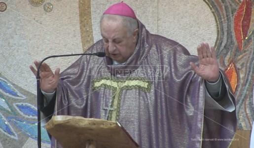 monsignor Salvatore Nunnari festeggia 82 anni