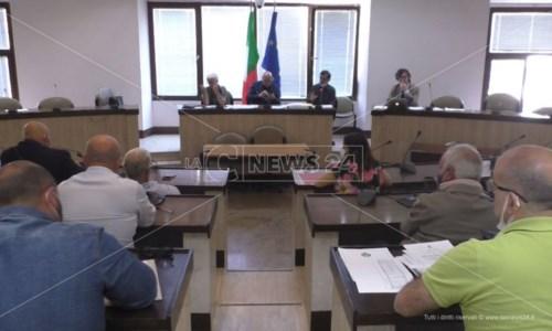 Rifiuti Crotone, il sindaco Vincenzo Voce ritira le dimissioni da presidente Ato