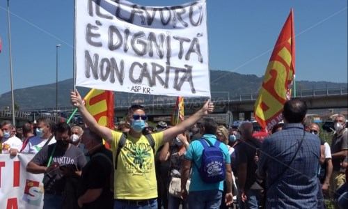 Tirocinanti in protesta a Lamezia, la giornata si è conclusa con un nulla di fatto