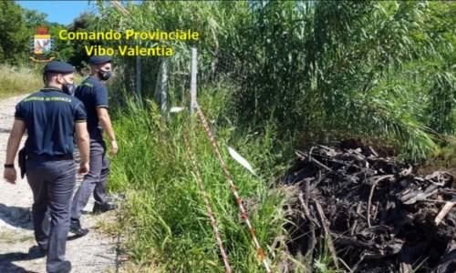 Ricadi, sorpresi a scaricare rifiuti edili in un terreno: tre denunce